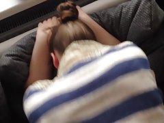 Mlade djevojke u kupatilo video ласкаются