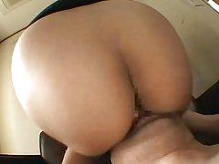 Vitka gola djevojka masturbira u kadi